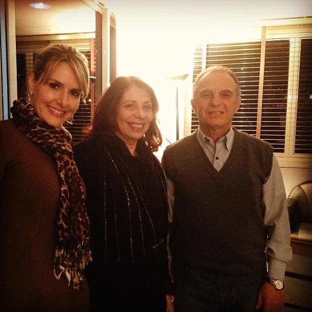 Carine Grundmann, do Bistrô by Linda, com Ketty Nahoum e Abrão Slavutzky