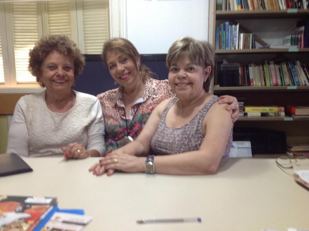 Suely Teitelbaum e Tamar Corrêa Menezes com a Professora Ketty Nahoum