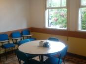 Sala ampla e arejada;