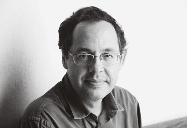 """Eduardo Gianetti: economista e escritor fala sobre atitude """"passiva"""" de jovens brasileiros diante do conhecimento"""